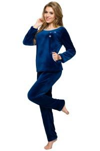 tvamě modré vánoční pyžamo modré s vločkou
